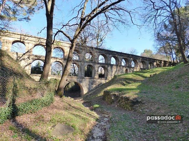 Aqueduc de la Balouvière à Laudun (Gard) - photo Colette Valli Richomme