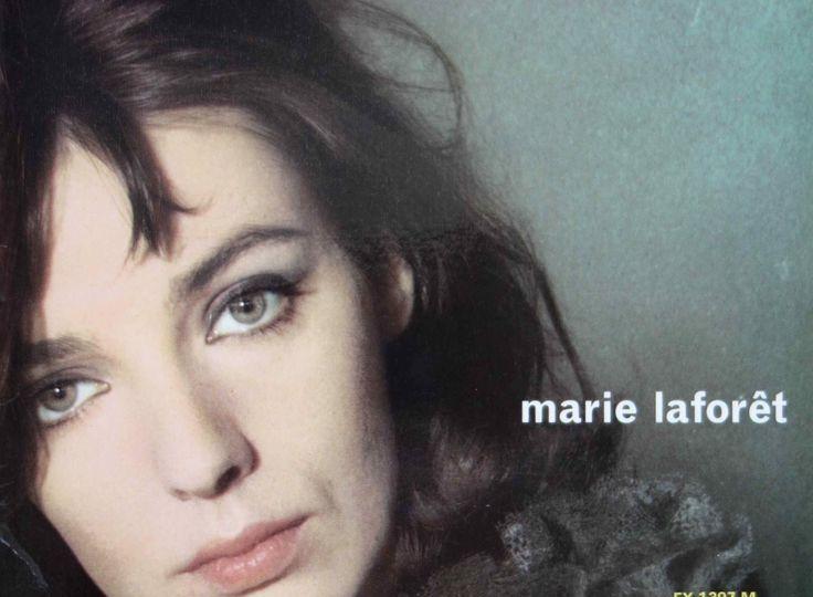 Marie-Laforet-chanteuse-disque-vynil