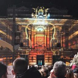 Fete-des-lumieres-place-de-la-comedie-projections-sur-l-opera-photo-francois-abbe