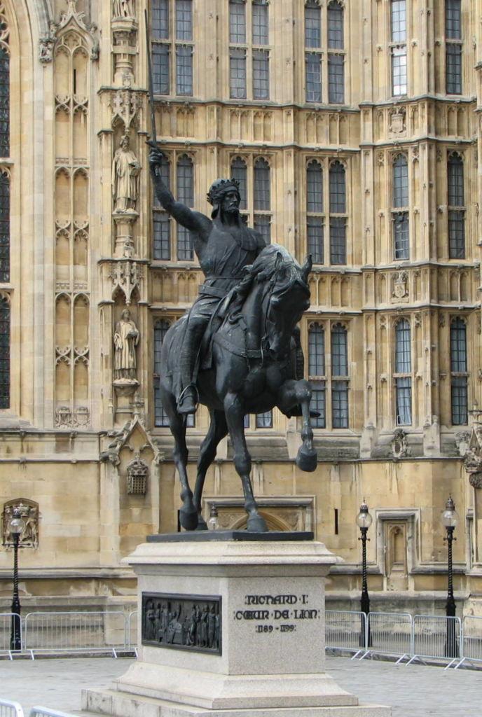Statue de Richard Coeur de Lion à Londres - palais de Westminster - Royaume Uni - Photo Bernard Gagnon